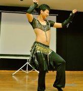 跳肚皮舞的好处 跳肚皮舞有什么作用 揭秘男士通过肚皮舞减肚腩