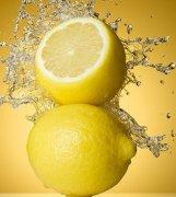 柠檬水饮用时间 柠檬片什么时候喝好