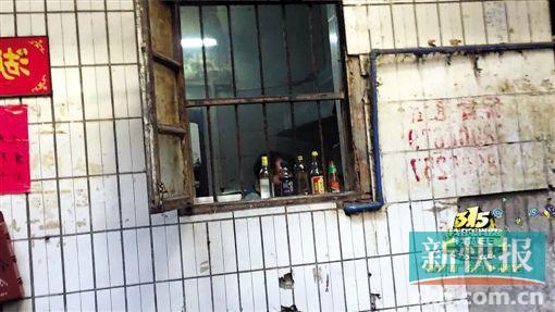 """公厕也能注册开店?记者暗访揭露网络订餐平台""""潜规则"""""""