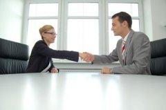你的面试问题愚蠢至极,怎么能招到合适的求职者?