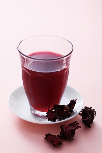 首乌决明茶如何制作?喝首乌决明茶可润肠通便