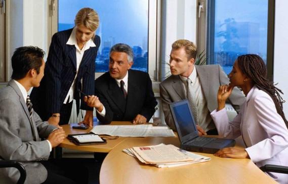 """在职场中你会""""管理""""老板吗?"""
