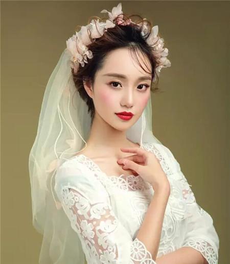 2018新娘造型写真 实用型端庄典雅图片