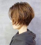 秋冬季头发干燥严重脱发怎么办 秋冬护发偏方食疗方法推荐