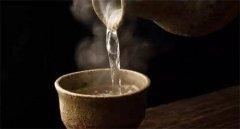 五个大招教你轻松鉴别真假优质酱香酒!