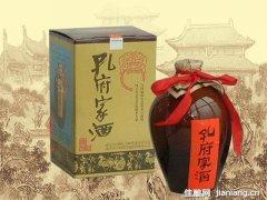 儒雅香型孔府家酒:浓、清、酱、芝四香合一