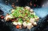 酱菜肉末豆腐的家常做法