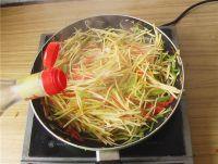 双椒红薯丝的家常做法
