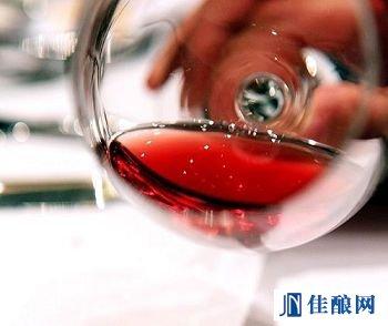 白葡萄酒变身桃红葡萄酒之谜
