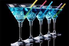 长见识 不同洋酒的搭配喝法