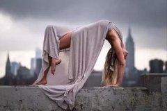 全民运动:瑜伽体式拉筋术,让你越练越年轻:上篇