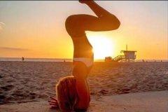 <b>运动极客:瑜伽体式拉筋术,让你越练越年轻:下篇</b>