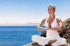 <b>美术高考培训 | 一组简单的瑜伽动作可缓解女性腰部疼</b>