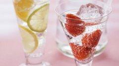 网剧评分:减肥可以喝苏打水吗 苏打水有助于减肥吗