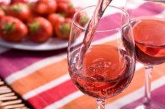 """桃红葡萄酒:""""养在深闺""""的酒中少女"""