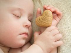 宝宝夜晚磨牙是怎么回事?五大因素最为常见