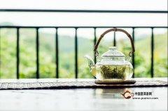 用一杯茶的清浅,许你一世安暖