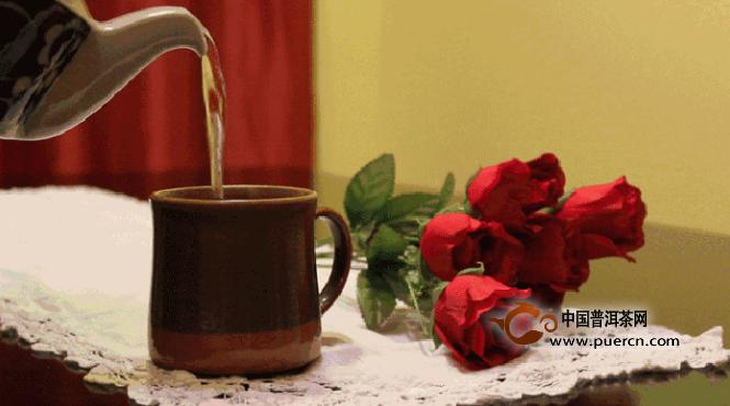 愿你盘坐花下,喝茶也喝酒