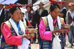藏族饮酒礼仪与禁忌