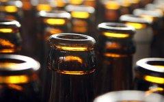 """啤酒瓶也要看""""保质期""""?瓶身过期也很危险"""