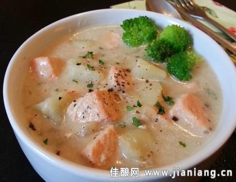 法式靓汤——奶油土豆三文鱼汤