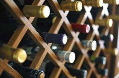 如何长期储存白葡萄酒?