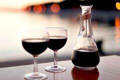 规律饮用红葡萄酒能降低患糖尿病的风险
