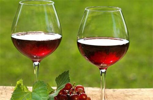 饮红酒有什么好处?
