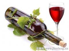 红酒的健康饮用方式:注意饮酒量和时间