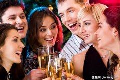 西方敬酒习俗的历史起源