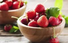 草莓与葡萄酒的搭配法则
