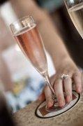 醒酒器:侍酒中不可或缺的关键要素