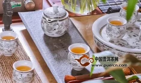 非常值得爱茶人收藏的经典茶语录!