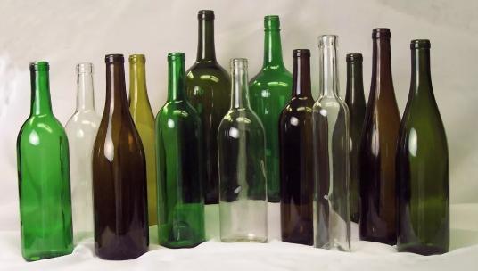 绿色酒瓶真的可以更好保护葡萄酒吗?