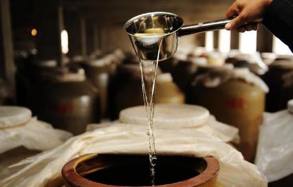 酱酒为什么一定要窖藏三年之久?