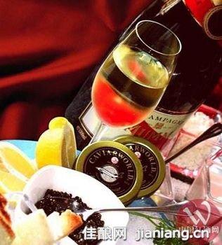 葡萄酒的颜色与品质有何关联