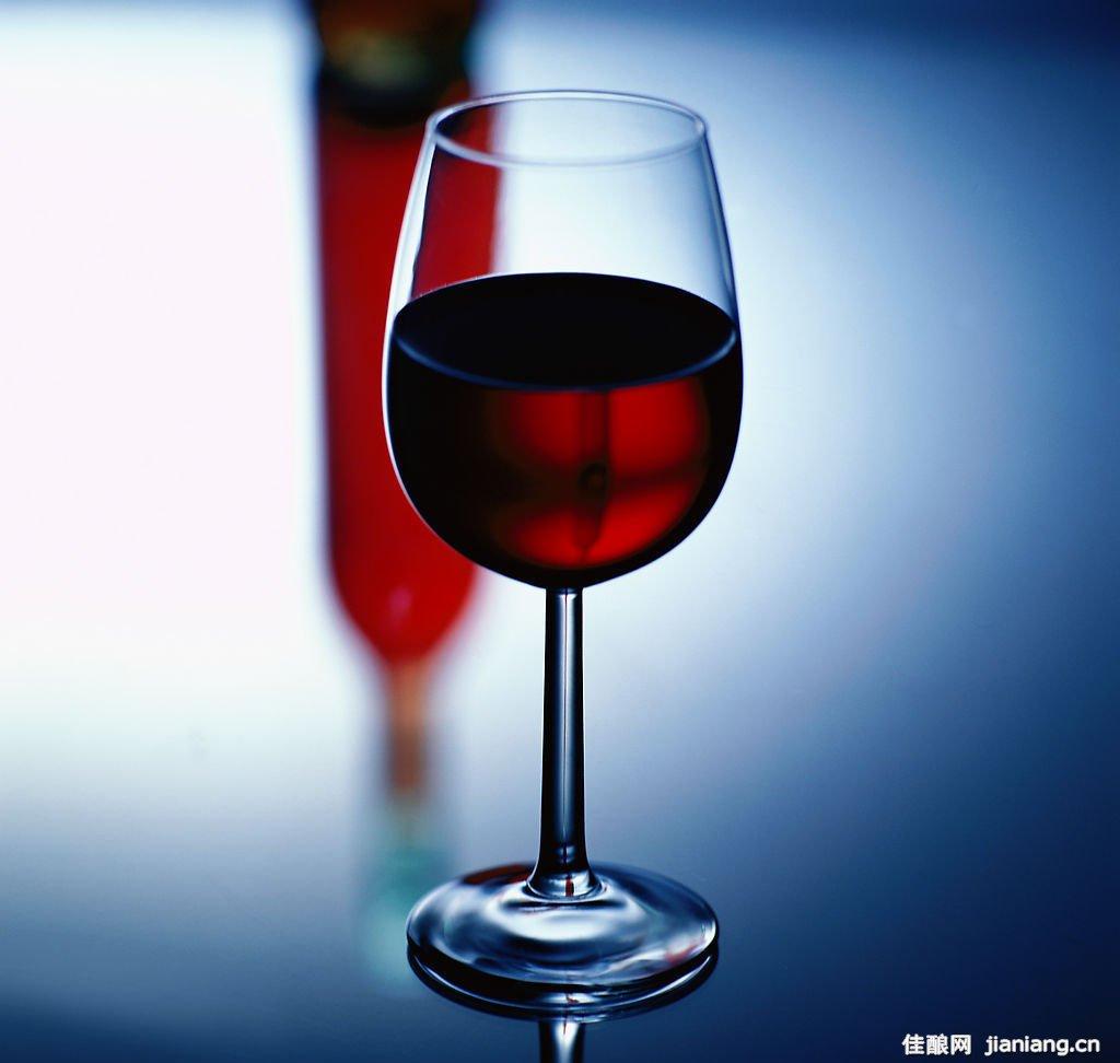 如何看出葡萄酒的酸度,葡萄酒,红酒,红葡萄酒,酒圈网