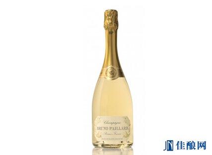 布鲁诺香槟首次用透明瓶包装