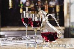 爱你一世 情人节与女神共享葡萄酒