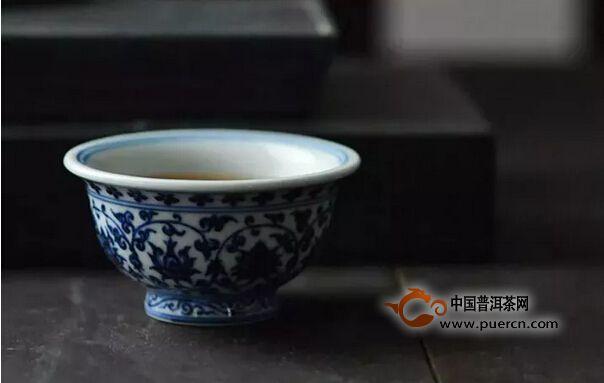 在茶中追求一方宁静