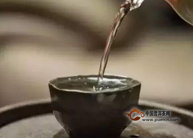 茶浮于水,人浮于世