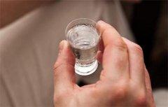 酒桌开头两杯酒最能体现修养和素质 如何饮好前两杯酒