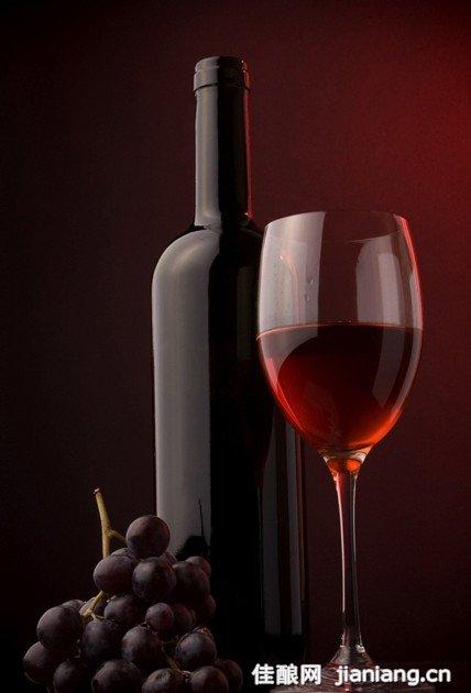 喝红酒能抗氧化延缓衰老