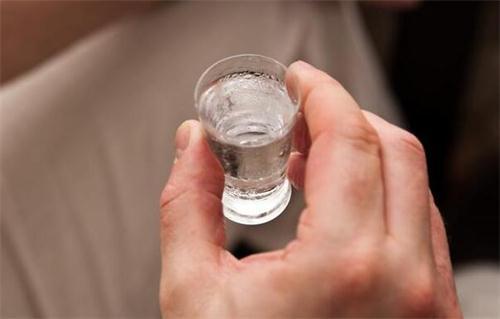过量饮酒伤肝 如何减轻伤害?