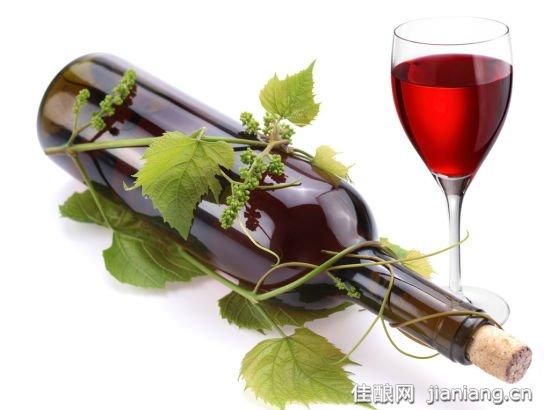秋季喝点葡萄酒养生 谨慎错误饮酒方式