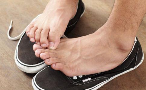 夏季脚气严重怎么办 为你推荐这6个根治脚气的妙招