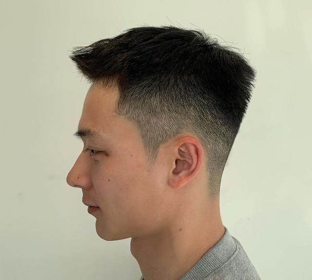 阳光男孩该剪的发型